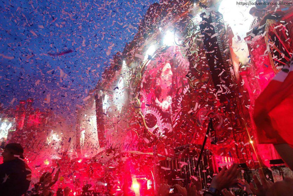 Confetti at Tomorrowland's Main Stage